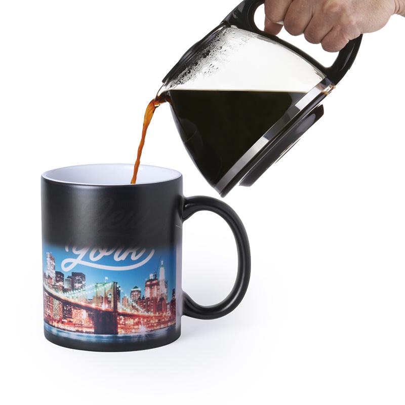 taza magica con foto diferente y divertida