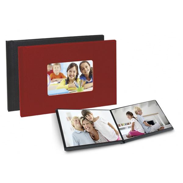 Álbum digital instantáneo de tapa dura, compuesto por 6 hojas (12 fotos 15x20).